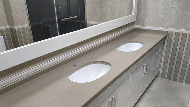 Столешницы из искусственного камня в ванную